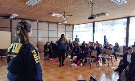 PDI CONTINÚA CICLO DE CHARLAS PREVENTIVAS A ESTABLECIMIENTOS EDUCACIONALES FOCALIZADOS POR SENDA PREVIENE RENGO