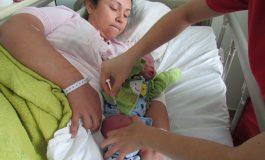 RECIÉN NACIDOS RECIBEN VACUNA CONTRA HEPATITIS B