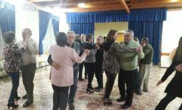 ADULTOS MAYORES DE LA COMUNA PARTICIPAN ACTIVAMENTE EN EL TALLER DE TANGO