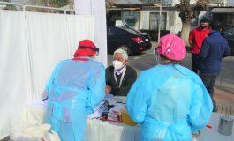 NUEVO OPERATIVO DE TOMAS DE MUESTRA PCR Y TEST RAPIDO DE VIH REALIZA CESFAM RIENZI VALENCIA EN MERCADO DE RENGO