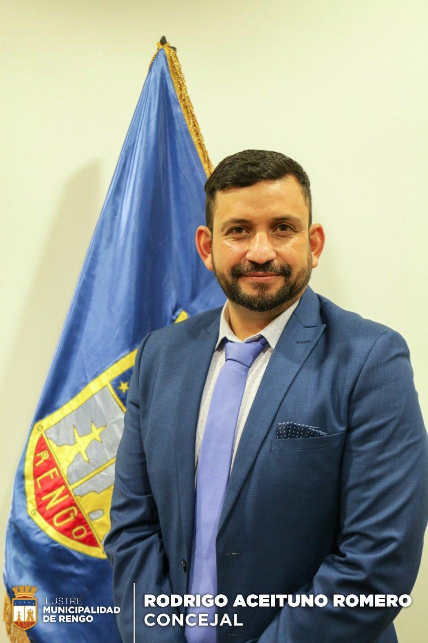 Concejal-Rodrigo-Aceituno