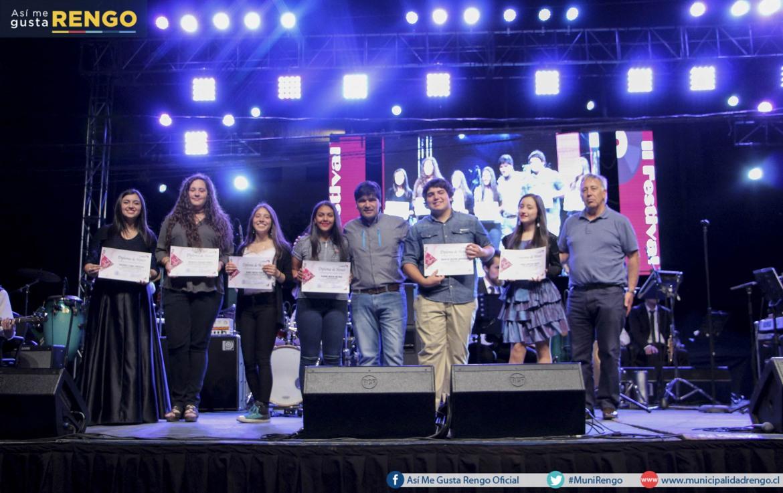 FINALIZO EXITOSO FESTIVAL ESTUDIANTIL DE LA VOZ, RENGO 2016