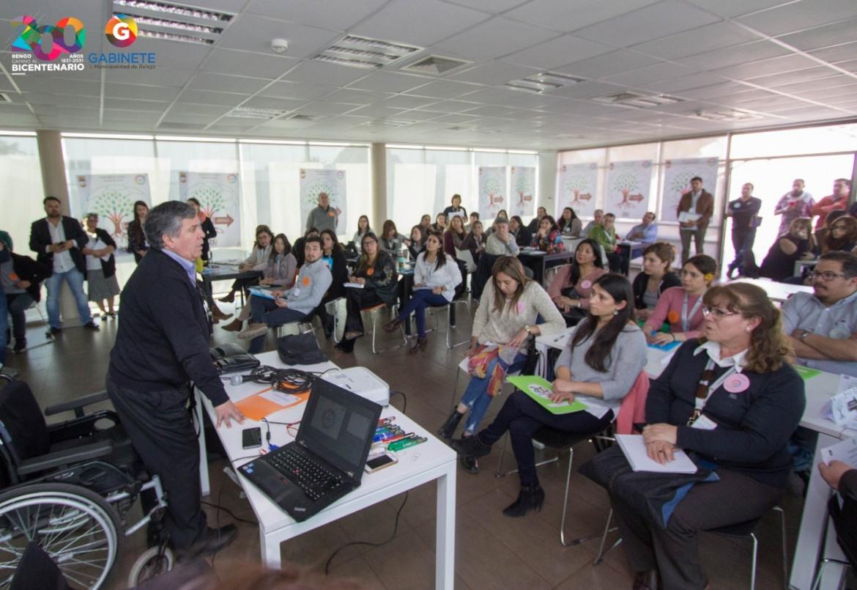 MAS DE UN CENTENAR DE FUNCIONARIOS MUNICIPALES SE SUMAN PARA TRABAJAR POR EL PLADECO 2019-2031