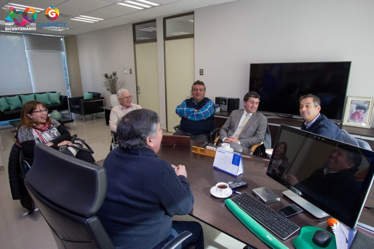 ALCALDE DE RENGO SE REUNE CON 4 EDILES PARA CONCRETAR PROYECTO METROTREN
